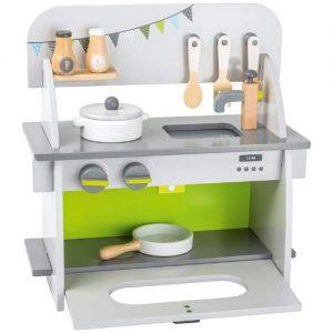 Cocina de madera infantil en color verde de Small Foot Company