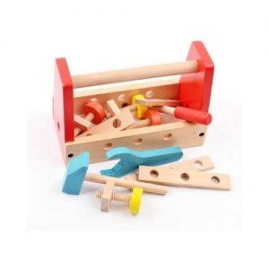 Caja de herramientas de bricolaje en madera. Juego ecológico