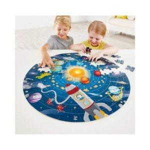 Puzles de cartón ecológico sobre el sistema solar y los planetas de Hape. Rompecabezas infantil de cartón