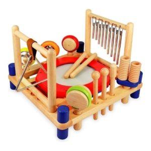 Instrumentos musicales de percusión de madera. Juguete ecológico