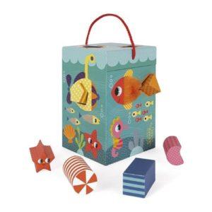 Caja de formas y bloques de cartón para encajar de Janod. Juguete para bebés de materiales ecológicos
