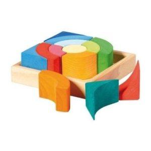 Piezas de madera ce colores para apilar de Nic Toys. Juguete respetuoso con el medio ambiente