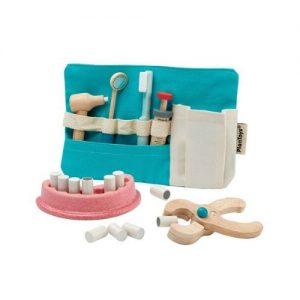 Set de dentista ecológico en madera con accesorios de Plan Toys