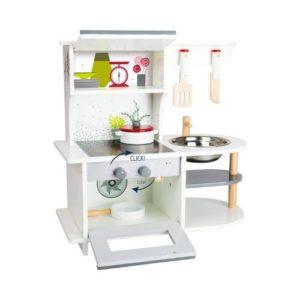 Mini cocina en madera de juguete de Small Foot Company. Juguetes ecológicos