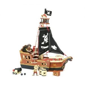Barco pirata de juguete en madera de Vilca. Juguetes ecológicos