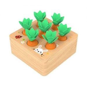 Juego de mesa en madera infantil con zanahorias