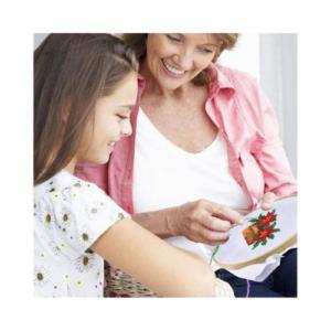 Kit de costura infantil para aprender punto de cruz. Manualidades de Navidad para niños ecológicas