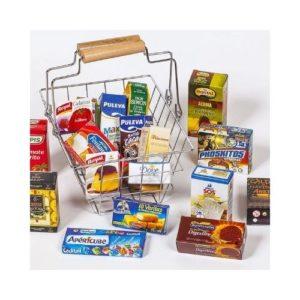 Cesta de la compra de metal con envases de cartón para jugar. Juguete ecológico